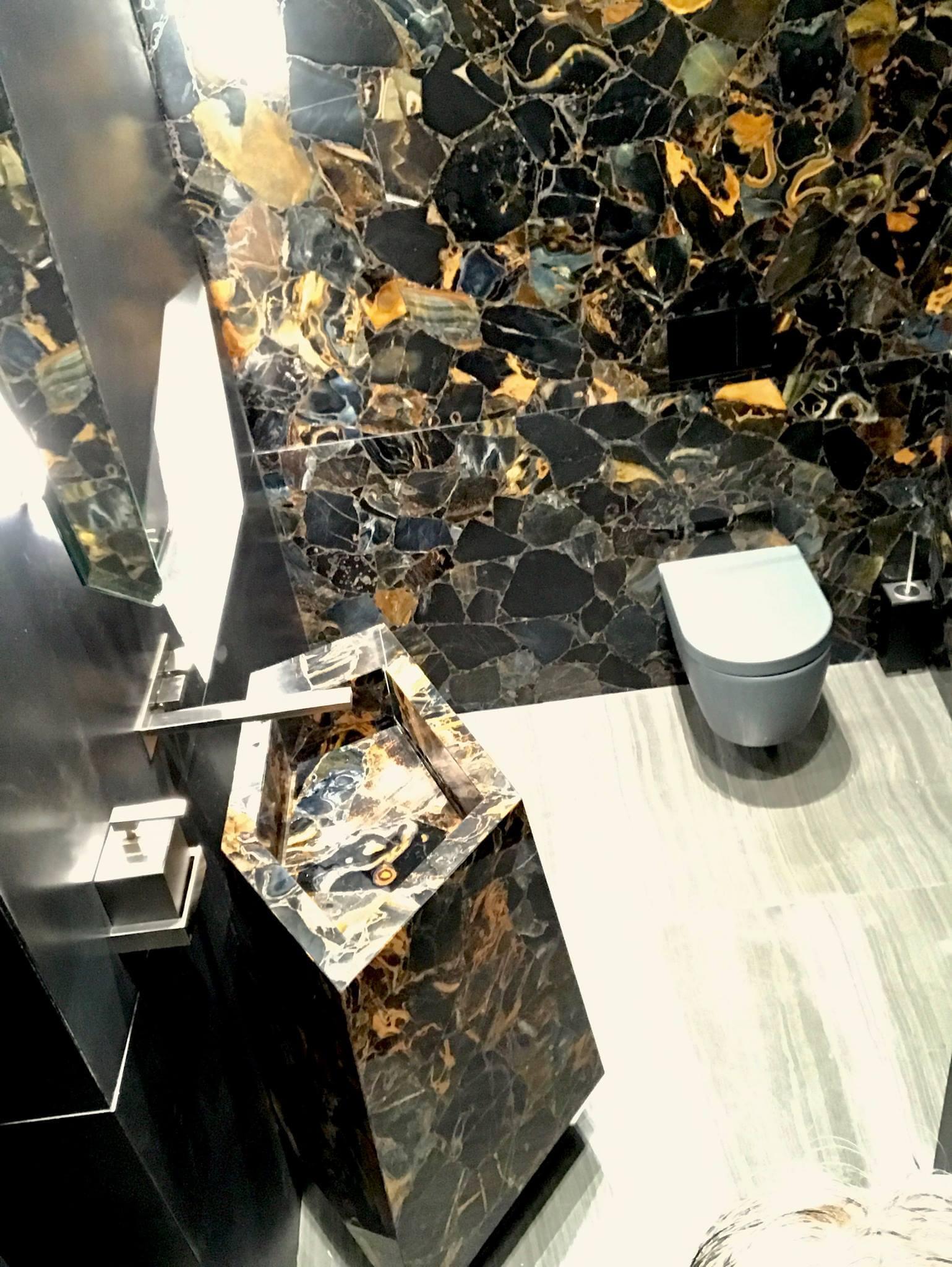 Waschbecken Toilette Gäste WC mit Tigerauge