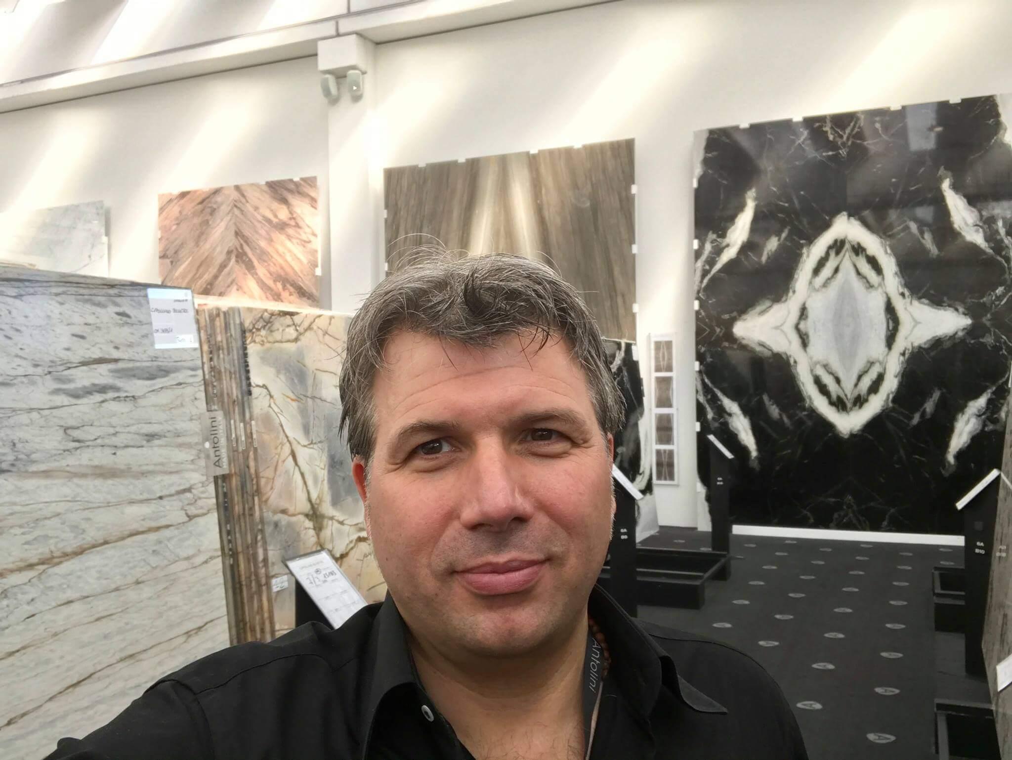 Designer Torsten Müller aus bad Honnef nähe Köln Bonn beim Naturstein Hersteller Antolini in Verona
