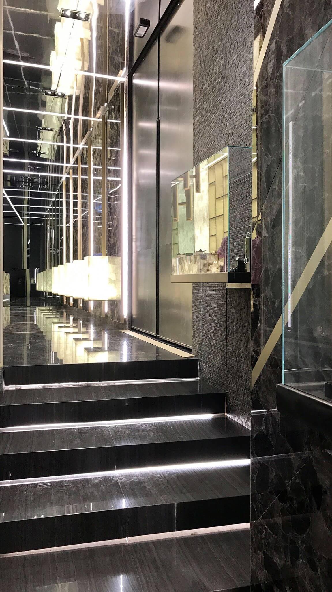 Stufenaufgang mit Naturstein Antolini