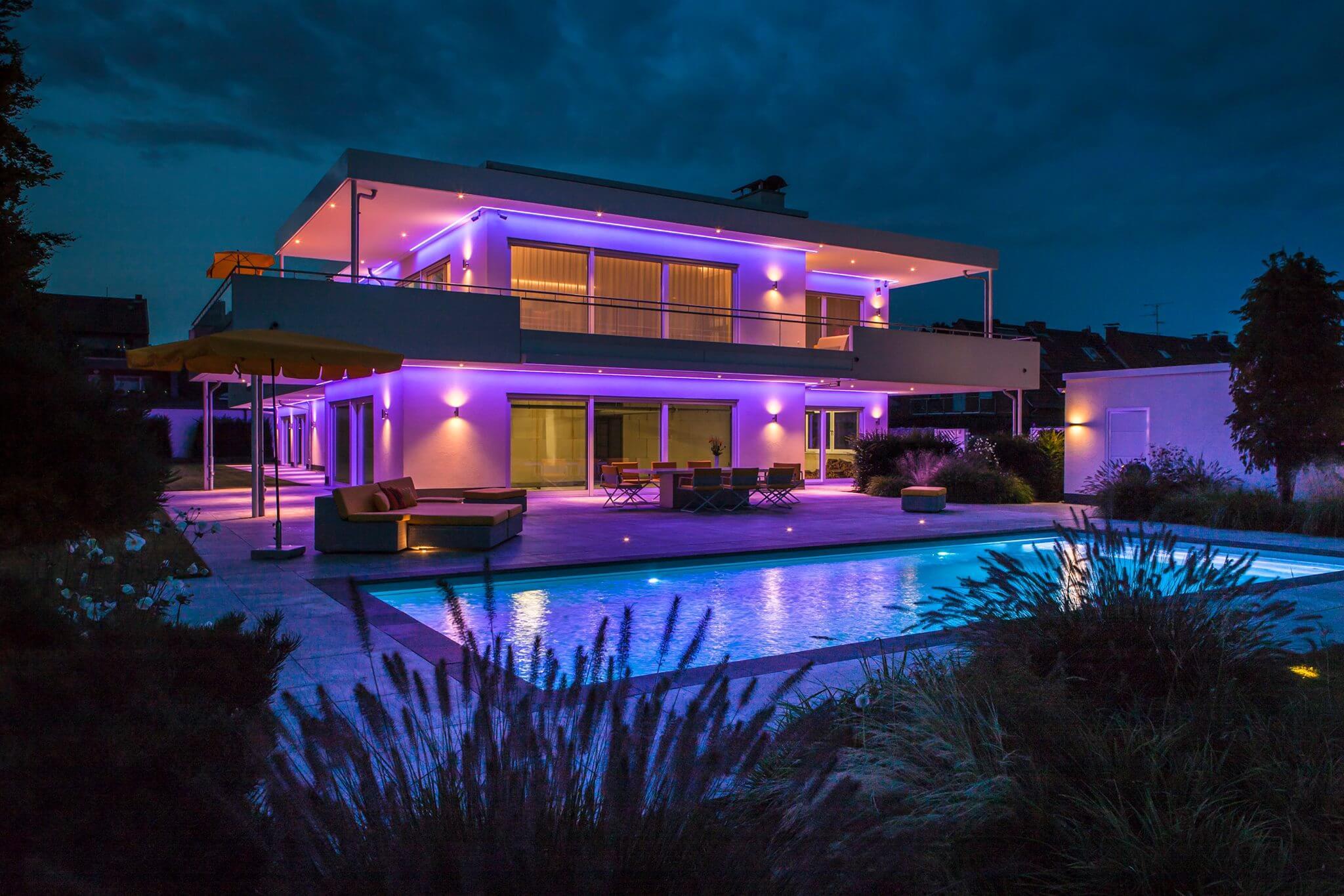 Lichtplanung für private wie gewerbliche Bauherren. Wenn es um Licht geht, ihr kompetenter Ansprechpartner für Architekten, Ingenieurbüros und Investoren.