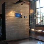 Premium Regenduschen TV in der Dusche