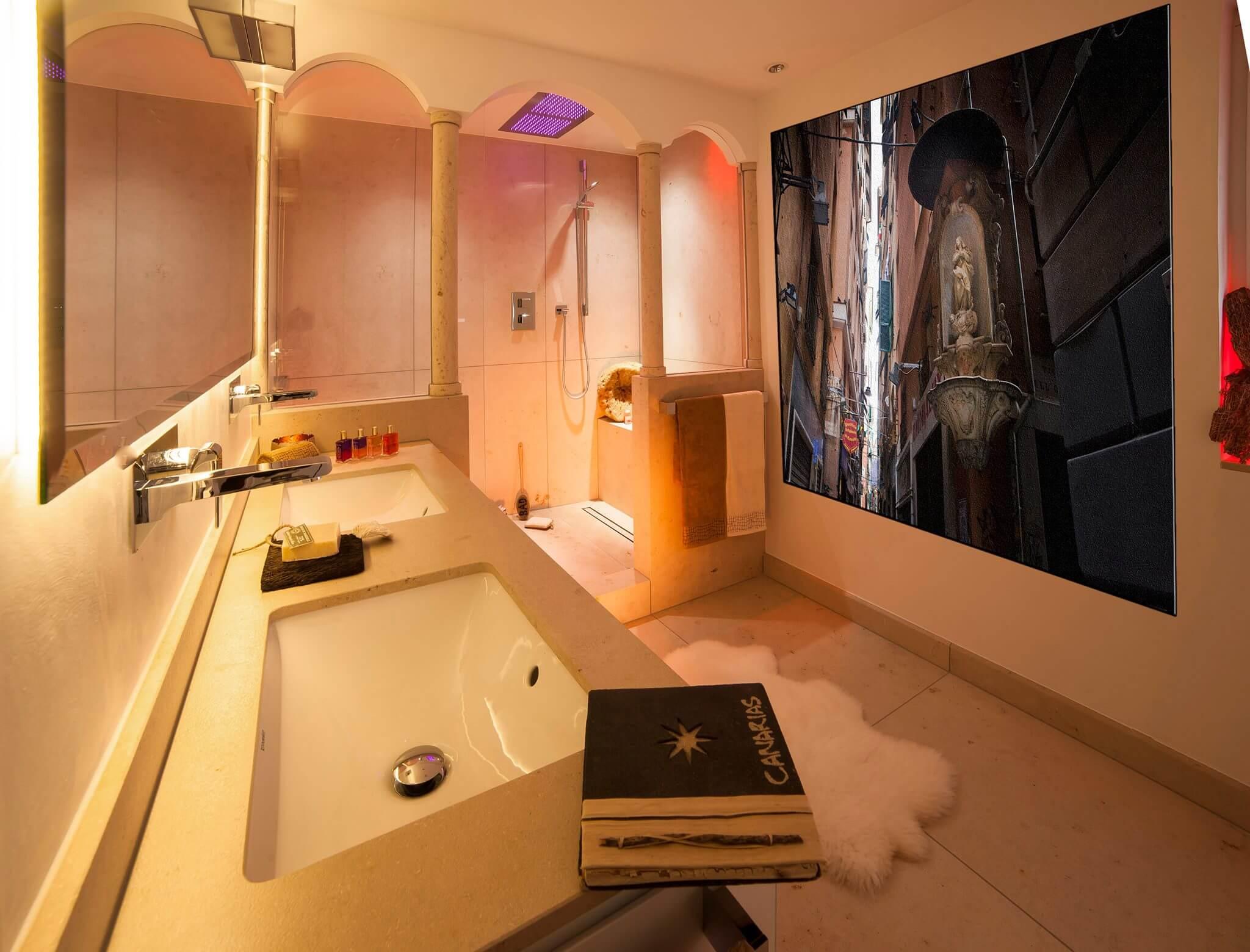 Regendusche oder Duschen im Monsun-Regen mit dem Spa und Bad Designer Torsten Müller