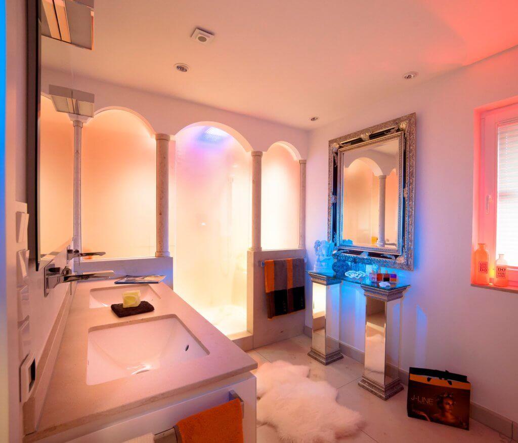 Badezimmer design badgestaltung  Regendusche oder Duschen im Monsun-Regen in einen Traum aus Andalusien