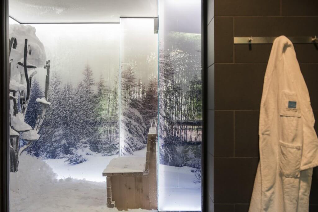 Schneeraum Spa nach der Sauna die andere Abkühlung