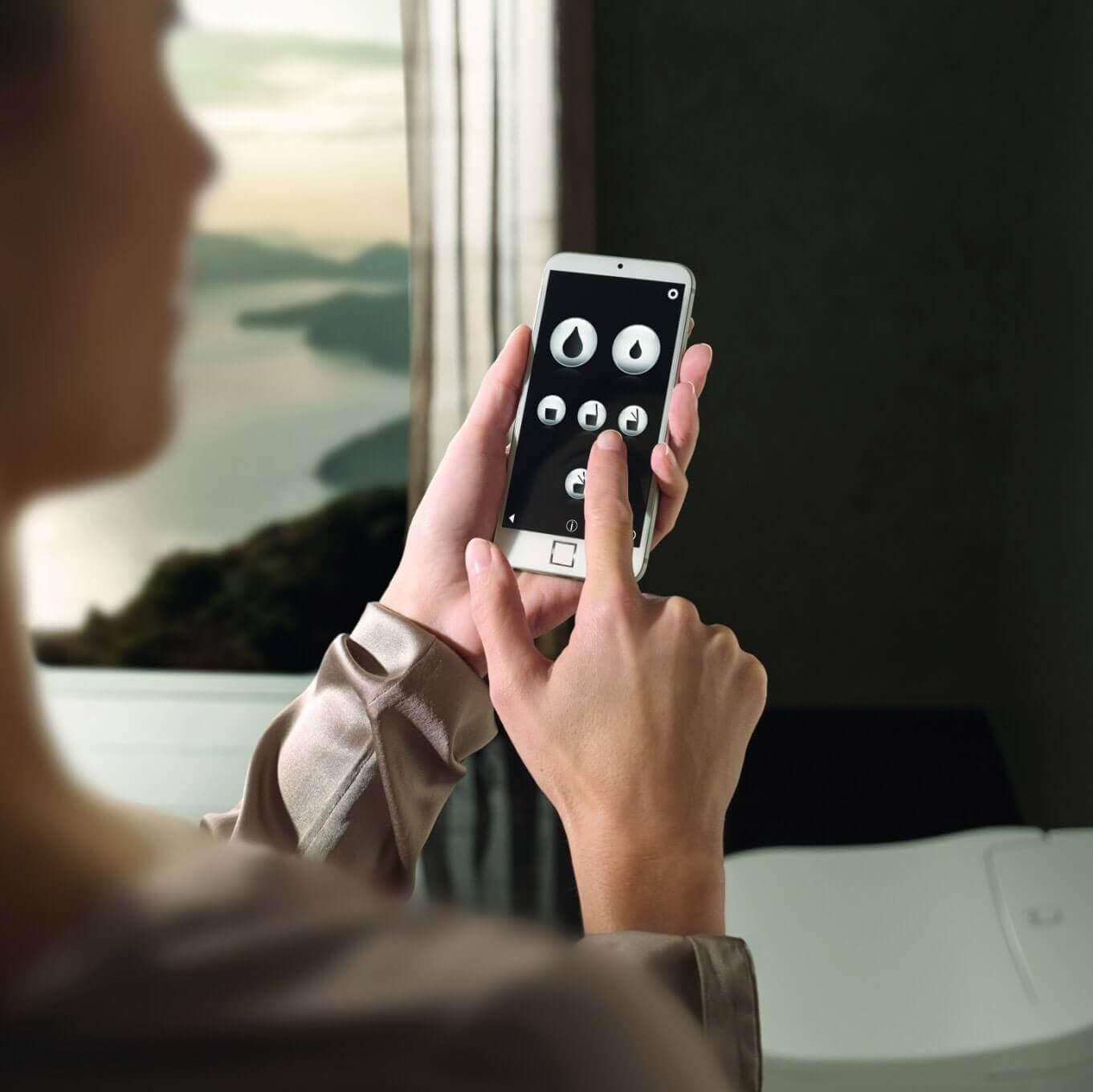 Smart Home für das Handy für die Steuerung des WC