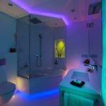 Lichtdesign für ein kleines Bad vom Fachmann im Detail