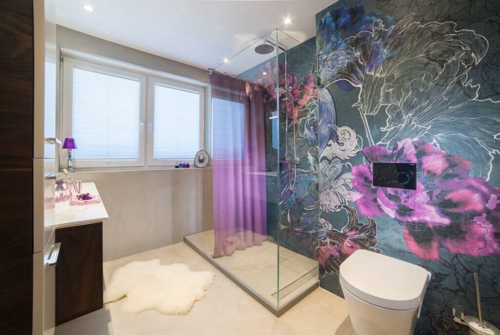 Vom langweiligen Bad im Reihenhaus zur modernen Badgestaltung ohne Fliesen