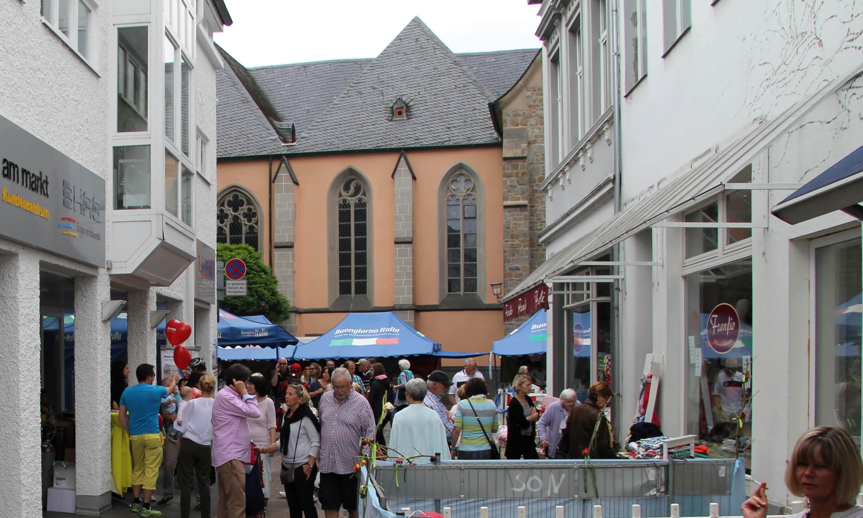 """Rosenfest in Bad Honnef """"La ville en rose"""" vom 9. bis 11. Juni 2017"""