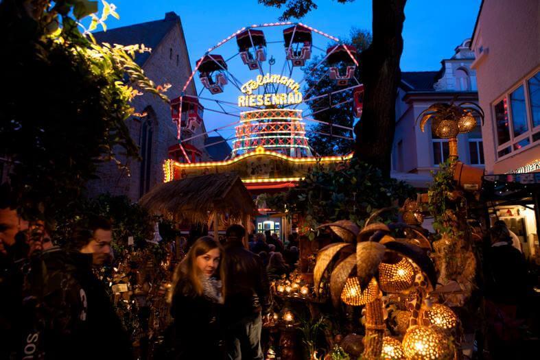 Blick auf das Riesenrad auf dem Martinimarkt in Bad Honnef 2016