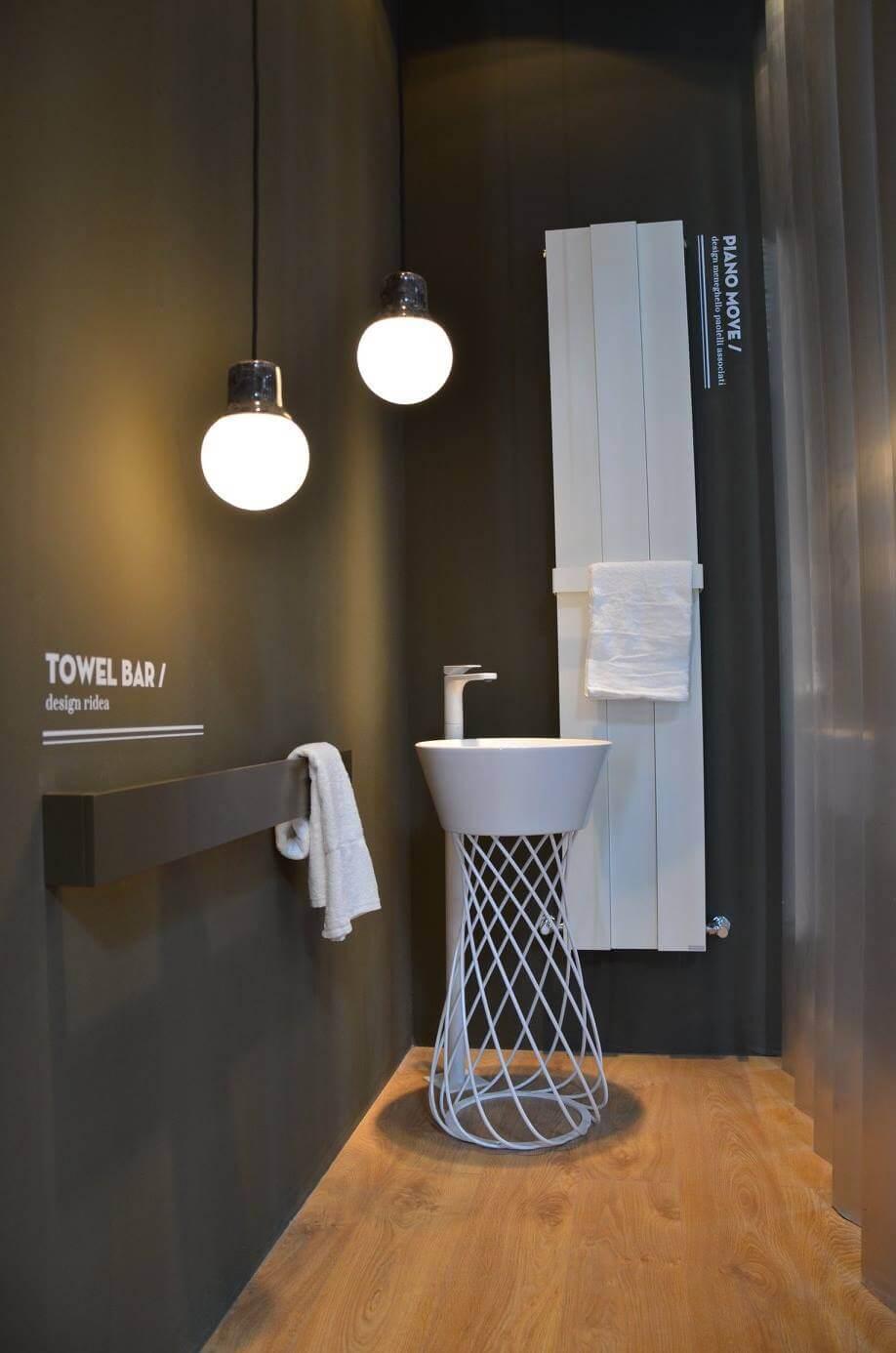 Ausstellung für Keramik in dem Bauwesen und für die Badausstattung.