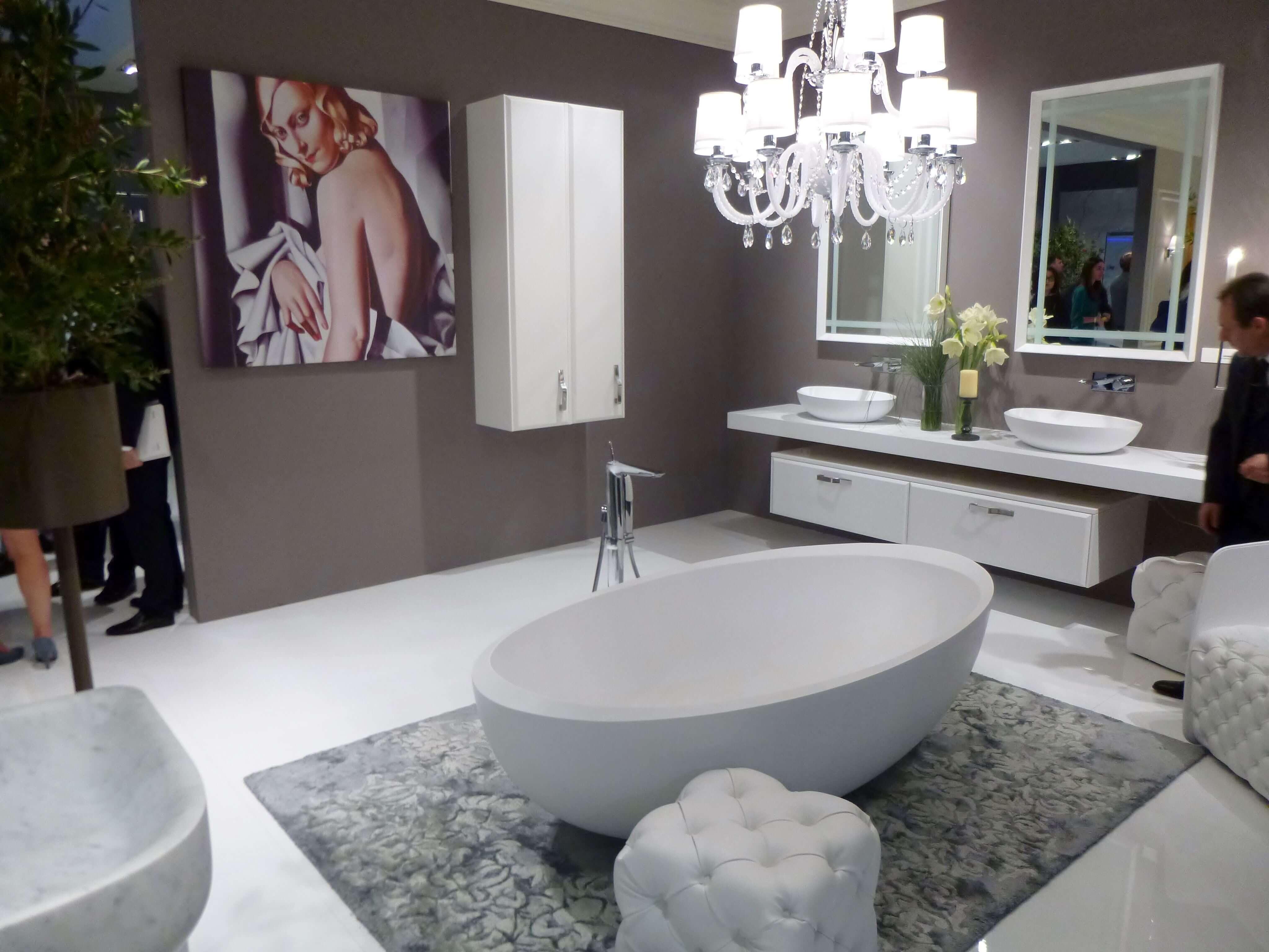 elegant ein badezimmer im stil von tamare de lempika