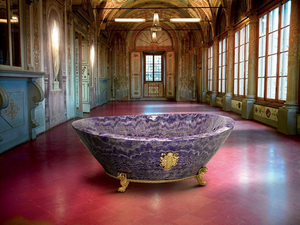 die teuerste badewanne der welt kompromissloser luxus. Black Bedroom Furniture Sets. Home Design Ideas