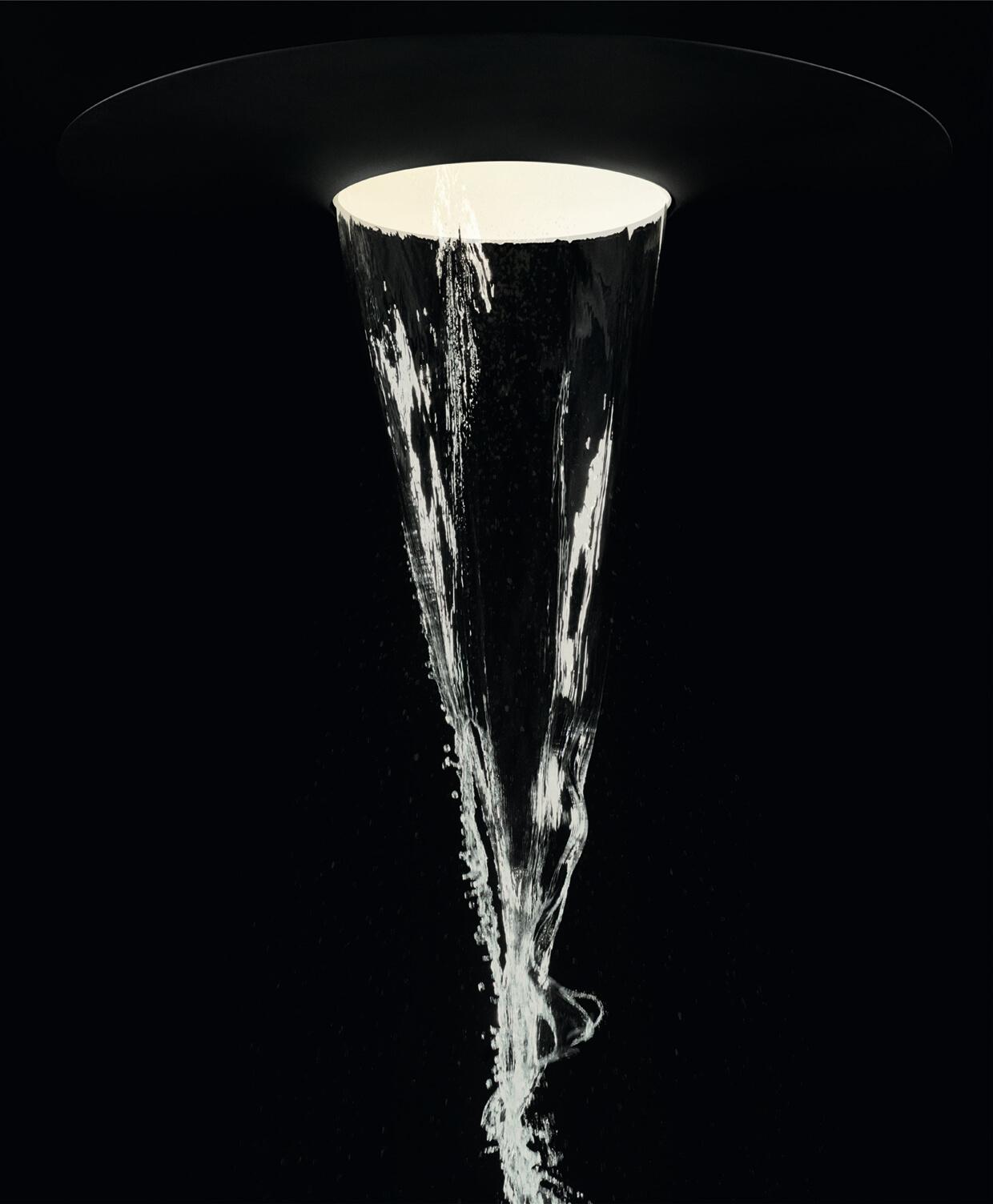 Wasser, Licht, Energie – Aquamoon ist eine hoch individuelle Duscherfahrung in neuer Dimension. Die Spa-Anwendung verkörpert die nächste Ebene im Dornbracht LifeSpa und ermöglicht eine bisher ungekannte Begegnung mit dem Element Wasser: Vier neu entwickelte Strahlarten und faszinierende Lichtszenarien verbinden sich zu einem emotionalen Wassererlebnis, das neue Lebensenergie spenden kann: Queen's Collar Embrace Aqua Circle Tempest