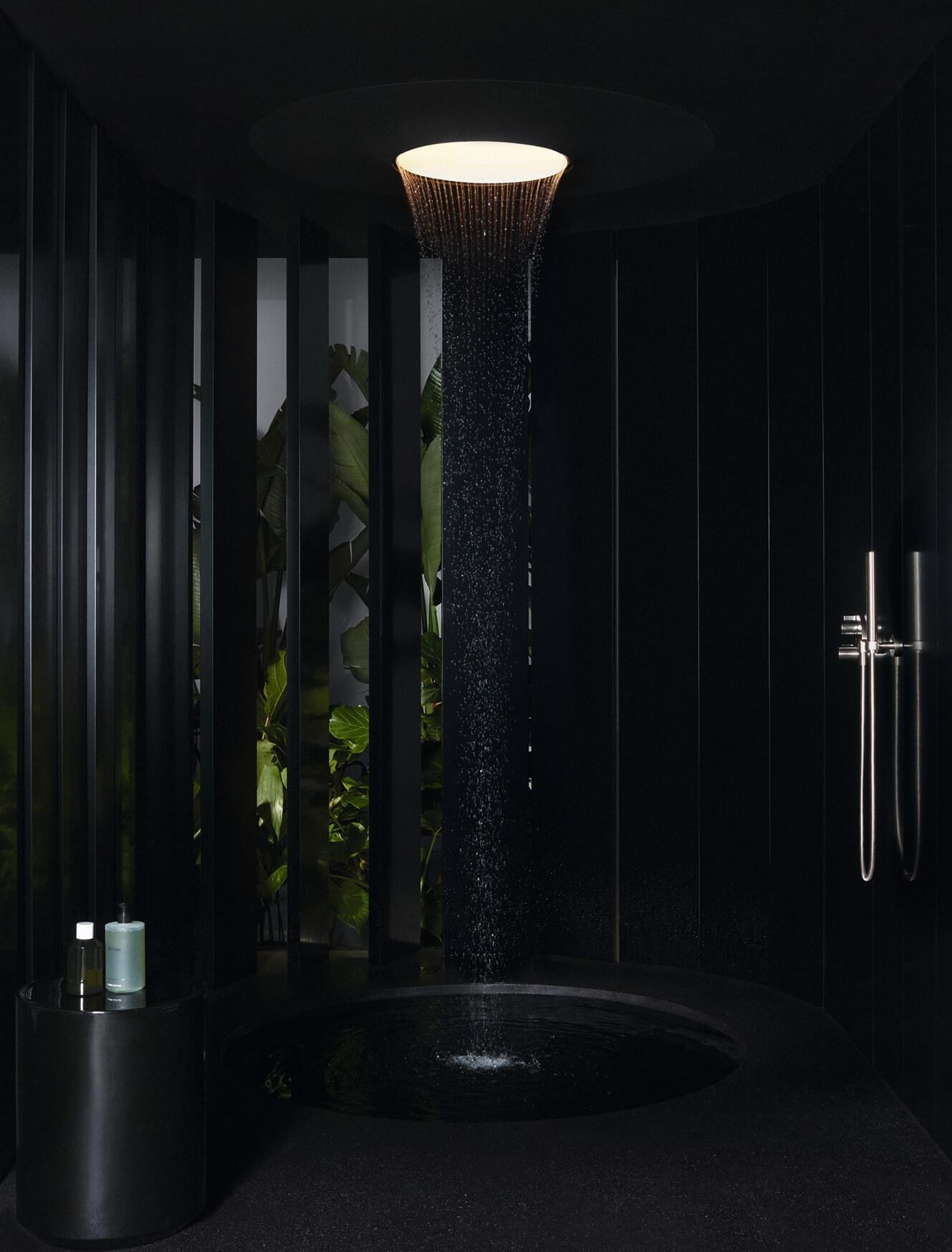 Dornbracht präsentiert Aquamoon – ein multisensorisches Wassererlebnis Creative Direction: Mike Meiré Produktdesign: Michael Neumayr Copyrights: Dornbracht Fotograf: Markus Jans