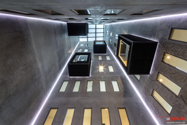 Beleuchtung vom Designer Decke Beleuchtung deckenprofile für indirekte beleuchtung Ideen für indirekte LED Deckenbeleuchtung Indirekte Beleuchtung indirekte beleuchtung wohnzimmer indirekte deckenbeleuchtung mittels led band led schienen für indirekte beleuchtung led stripes als indirekte beleuchtung LED-Beleuchtung Lichtdesign Lichtdesigner Lichteffekte