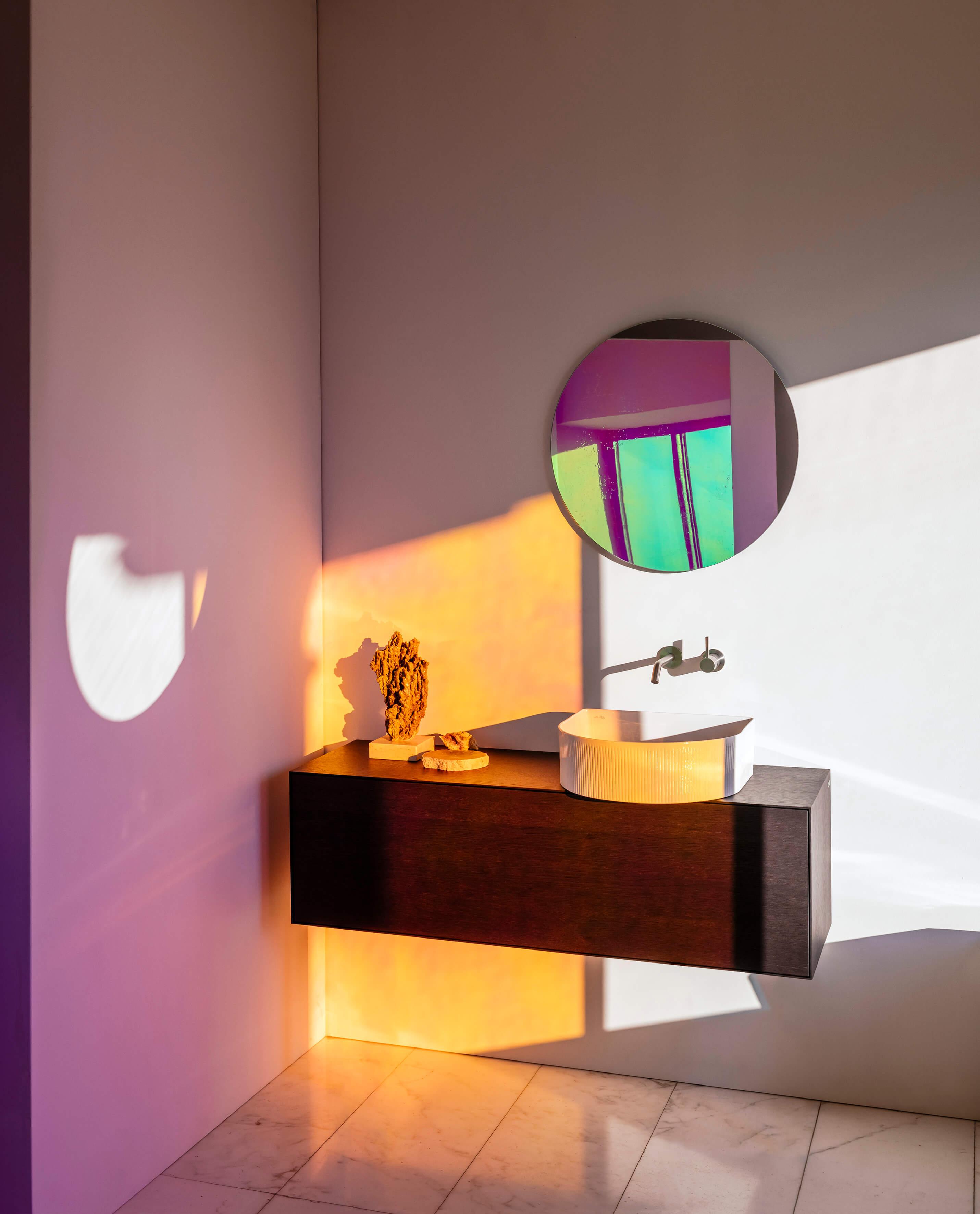 Pantone Trendfarbe 2019 mit Kartell by Laufen