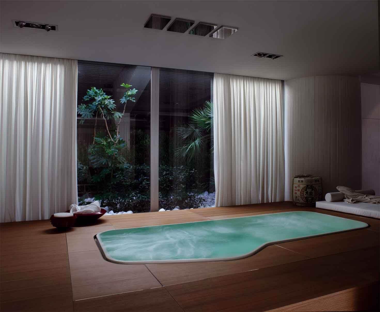 Spa Design mit großem Indoor Pool