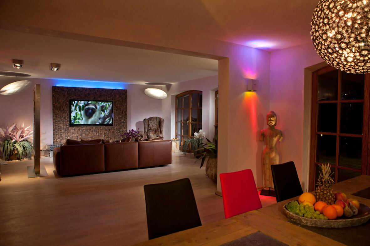 Schönes Licht: eine Sache der richtigen Planung Die ideale Beleuchtung: Das ist der Trick Tipps für die Lichtplanung im Wohnzimmer