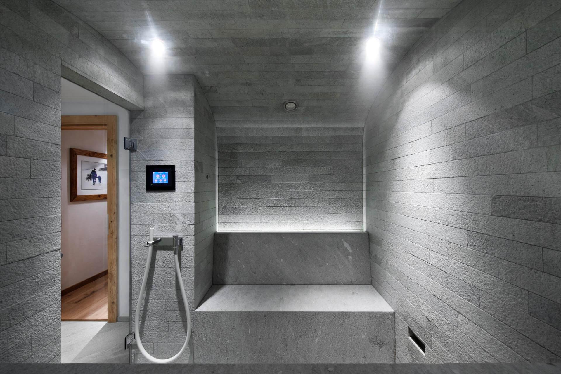 Spa- und Bad-Architektur Design mit Dornbracht Kneipp Guss Schlauch