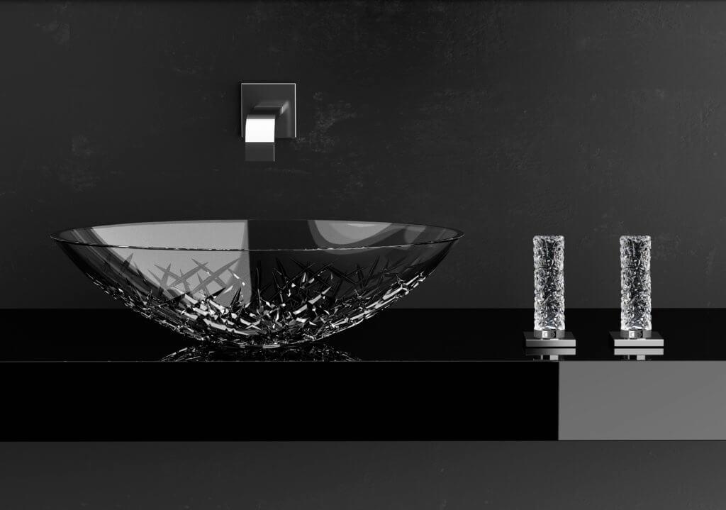 Manufaktur my Glass Design. Der Hauptsitz des 1984 gegründeten Hauses befindet sich in der Heimatstadt Leonardo da Vincis im Herzen der Toskana. Das kunstvolle Erbe des alten Meisters wird von den ausgefallenen und mutigen Kreationen aufgegriffen, wobei auch der Drang nach Perfektion in Bezug auf die Fertigung und die Materialwahl nicht zu kurz kommen.