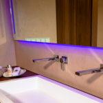 Bad Design Badplanung Waschtisch Domovari fugenloses Luxus Badezimmer Bonn Badezimmern planen ideen Designer Torsten Mueller Lichtdesigner Wall and Deco Wet System
