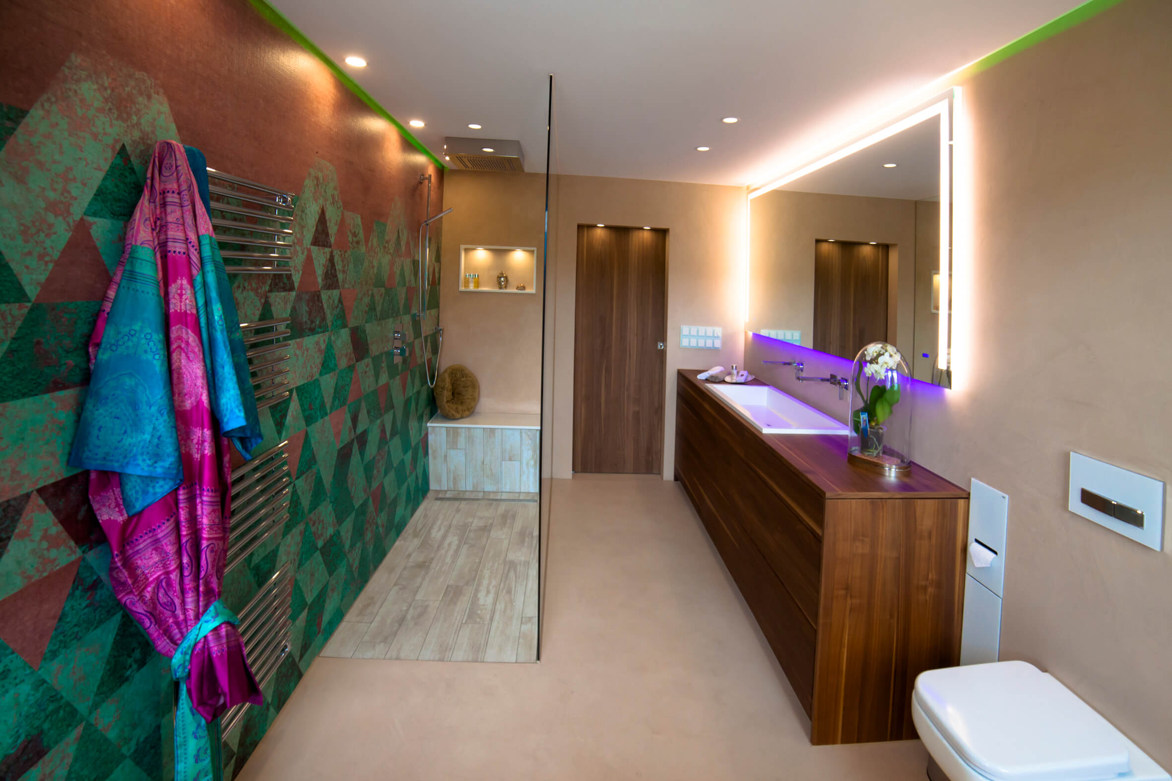 Modernes bad design mit wall and deco wet system tapeten for Badezimmer wand design