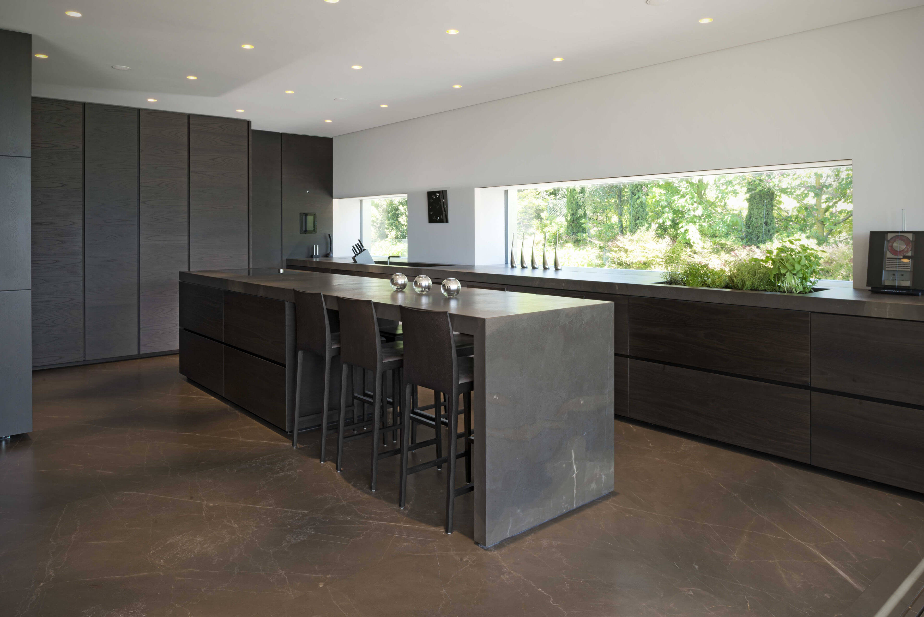 design. Black Bedroom Furniture Sets. Home Design Ideas
