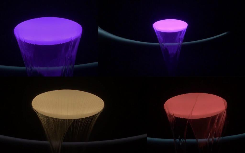 """LifeSpa - das Badezimmer entwickelt sich immer mehr zum Privat Spa. Was das bedeutet, zeigte die Firma Dornbracht auf der Messe ISH 2017 in Frankfurt am Main. Die wohl beeindruckendste Präsentation war das Konzept 'New Moon' - eine Deckenbrause, wie Sie bisher noch nicht auf dem Wellness-Markt der Entspannung angeboten wird. Aus einem kreisrunden Deckenauslass werden nun über das Gesetz der Schwerkraft verschiedene Wasser-Szenarien abgespielt, die Ihren Körper durch Temperatur, Klang und Farbe zur Vitalisierung bis hin zur Entspannung bringen werden. Mit seiner Idee von LifeSpa hebt Dornbracht den Fokus einer gesundheitsorientierten Badgestaltung auf die nächste Stufe. Spa Konzepte stehen für eine ganzheitliche Badplanung und -ausstattung im Sinne einer gesunden und präventiven Lebensweise im privaten Bad oder privat Spa, wie es bereits aus exklusiven Hotel- und Wellness-Oasen bekannt ist. Dafür steht im Mittelpunkt die Integration gesundheitsfördernder Wasseranwendungen im Rahmen einer modularen Architektur, die sich flexibel an individuelle Bedürfnisse des Kunden anpasst. Das neue Konzept wurde von den über 200.000 Besuchern in Frankfurt überaus positiv wahrgenommen und wird so sehr wahrscheinlich nicht nur eine Studie bleiben, sondern bald in Produktion gehen. Verständlich, denn das Haupthema der Messe ISH 2017 war """"Bäder für Menschen"""" zu präsentieren, wobei das Design eine große Rolle spielt."""
