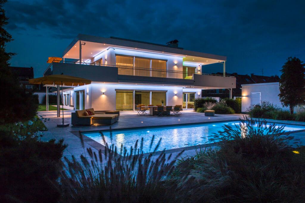 Lichtdesigner Lichtplaner Design Award Winner Pool Architektur Penthouse Bungalow Lifestyle