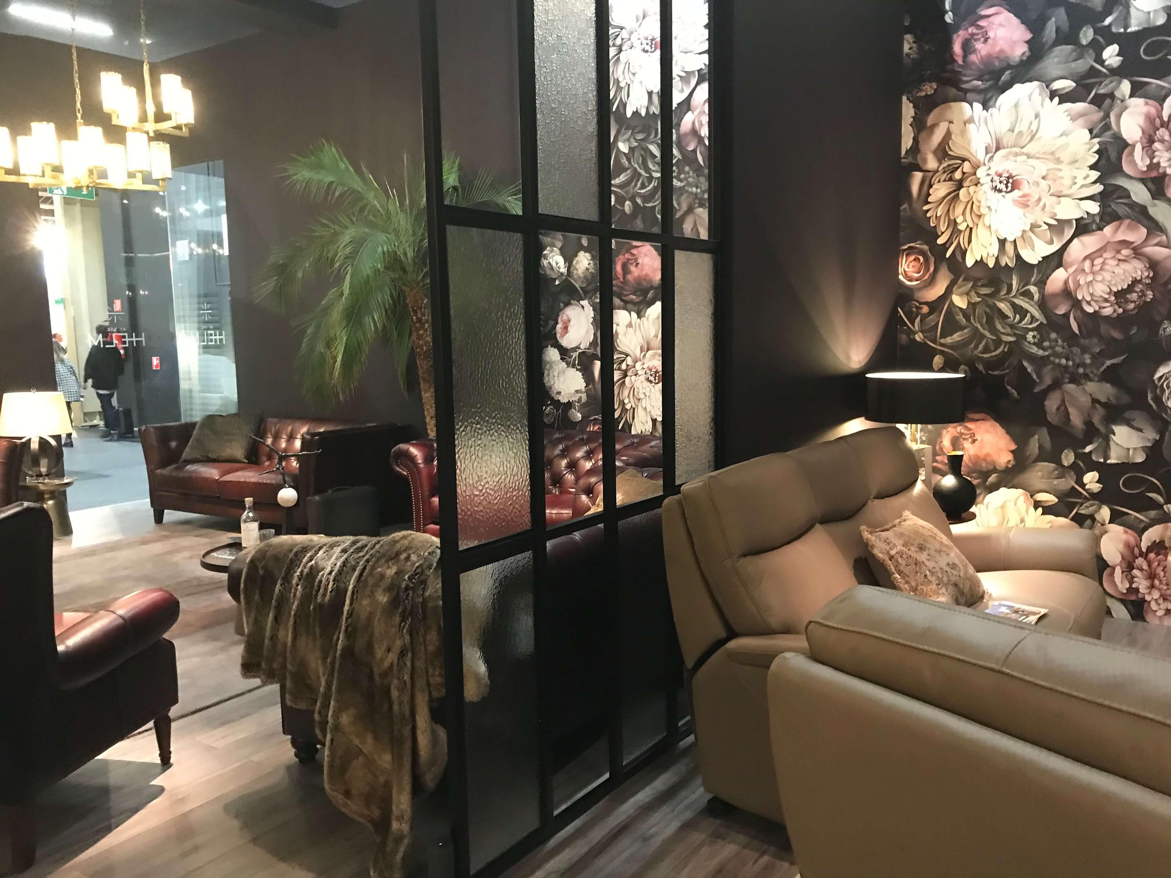 Gemütliche Couchlandschaften werden mit exklusiven Materialien zu Luxusobjekten
