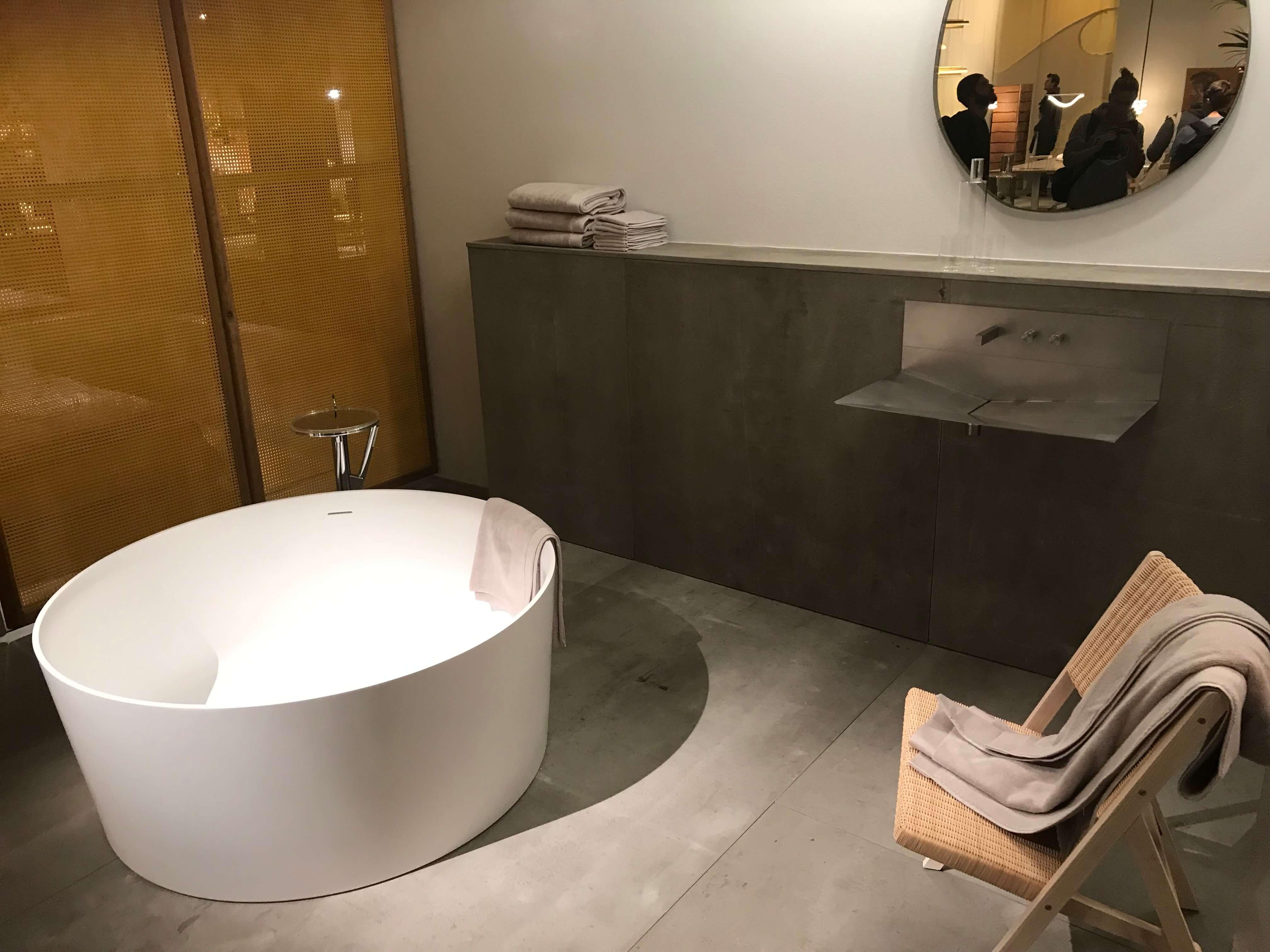 Kein Pinselstrich zu viel: Das moderne Badezimmer kommt dem Wunsch nach Ordnung und Klarheit mehr als nur ein bisschen nach.