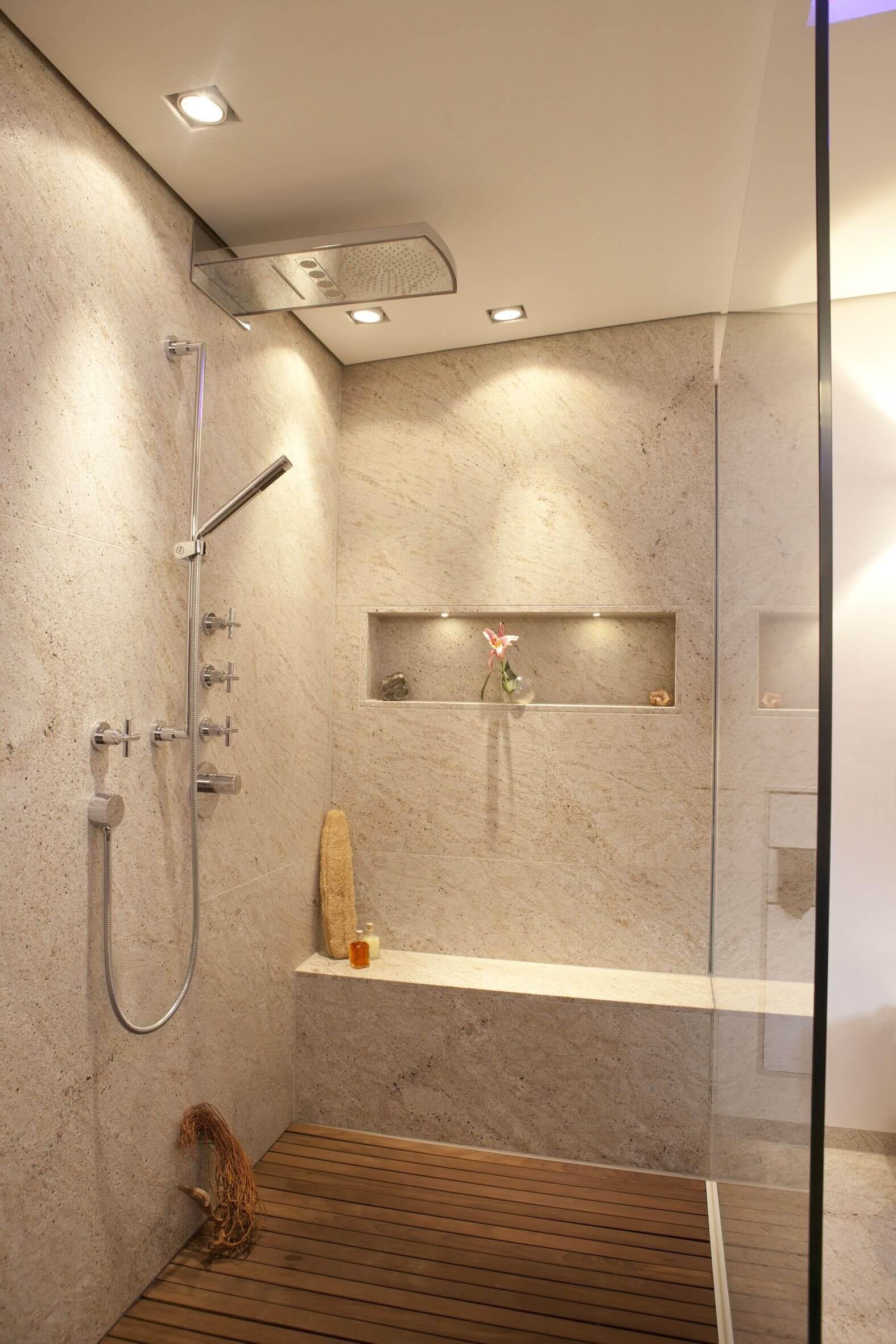 Top Tipps vom Designer: Badezimmer vergrößern mit dem Bodenbelag BJ78