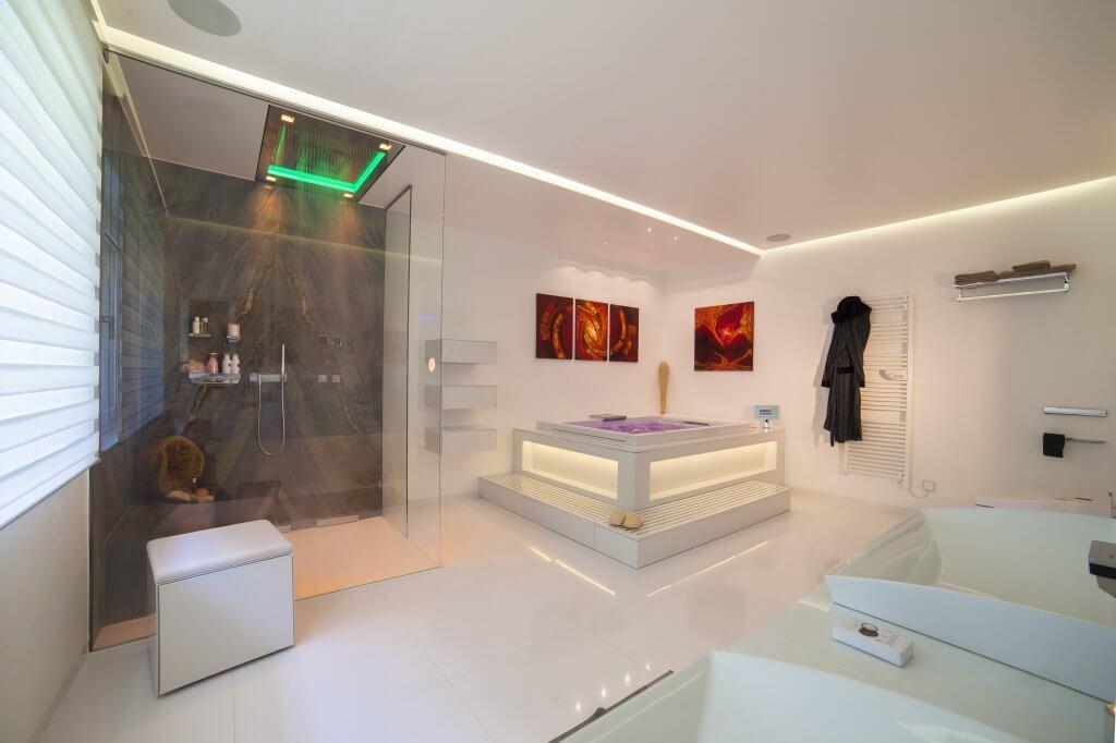 Nun ist es endlich so weit: Die neuen Badezimmer Trends 2020 sind da und warten schon gespannt darauf, auch in Deinem Zuhause verwirklicht zu werden.
