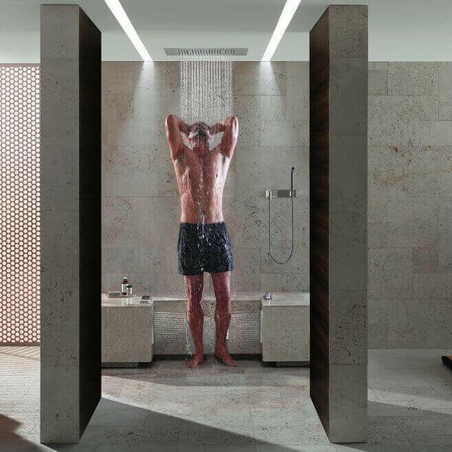 Regenduscche-Dornbracht-Leg-Shower-die-Wechseldusche-Beine